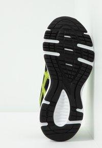 ASICS - JOLT 2 - Zapatillas de running neutras - black/safety yellow - 4