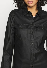 Vero Moda - VMMARIASLIM COATED SHIRT  - Button-down blouse - black - 5
