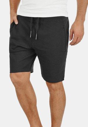 SWEATSHORTS TARAS - Shorts - black
