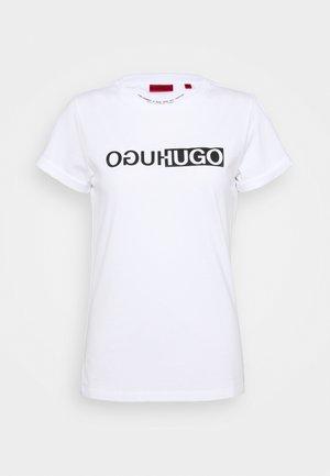 THE SLIM TEE - Print T-shirt - white