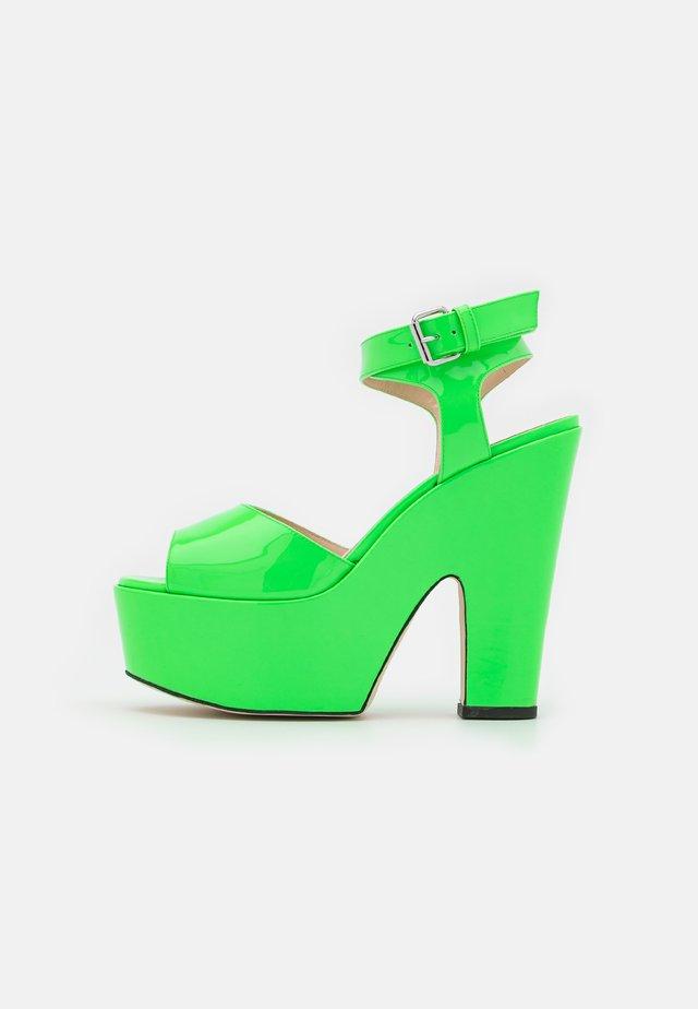 PLATFORM - Sandalen met hoge hak - neon green