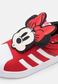 adidas Originals - SUPERSTAR 360 UNISEX - Sneaker low - vivid red/footwear white/core black - 5