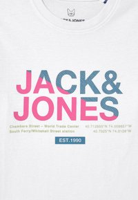 Jack & Jones Junior - JCOSLICES CREW NECK  - T-shirt con stampa - white - 2