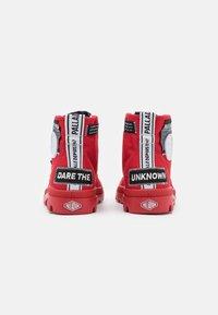 Palladium - PAMPA LITE OVERLAB UNISEX - Sneakersy wysokie - red - 2