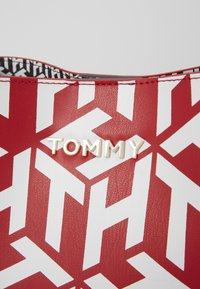 Tommy Hilfiger - ICONIC CROSSOVER MONO - Across body bag - red - 2