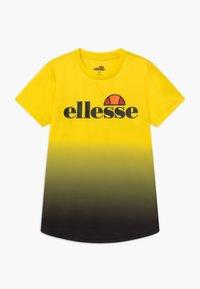 Ellesse - GALTA PERFORMANCE TEE - T-shirt imprimé - yellow - 0