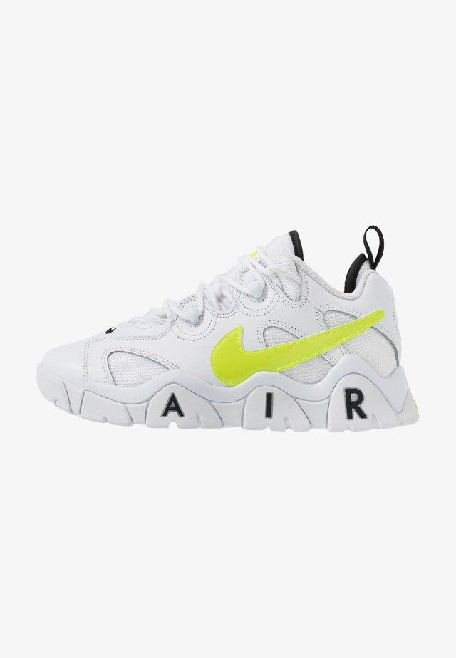 AIR BARRAGE - Sneakers basse - white/volt/black