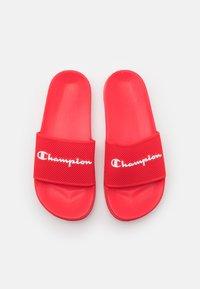 Champion - SLIDE DAYTONA - Sandales de bain - red - 3