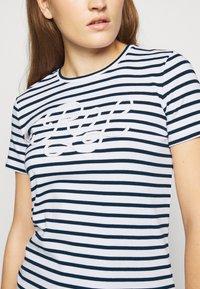 Lauren Ralph Lauren - REFINED  - Print T-shirt - white/lauren navy - 5