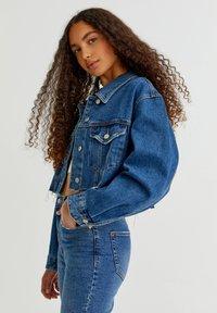 PULL&BEAR - Denim jacket - mottled blue - 10