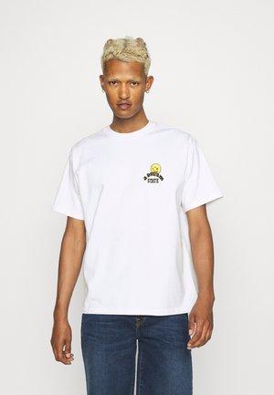 PRIDE VINTAGE FIT GRAPHIC TEE UNISEX - T-shirt imprimé - white