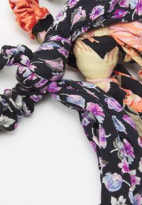 Pieces - PCANIRA SCRUNCHIE 2 PACK - Håraccessoar - black - 1