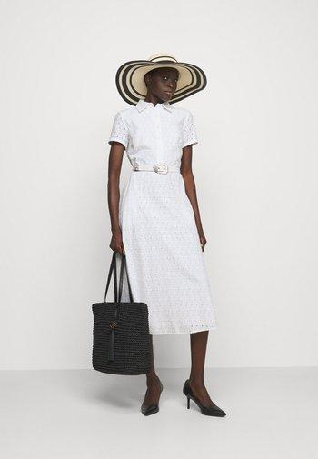 DAISY EYELET DRESS BELT - Shirt dress - white
