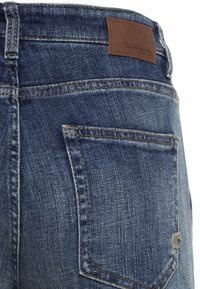 camel active - LOOSE FIT JEANS - Relaxed fit jeans - mid blue used tint - 8