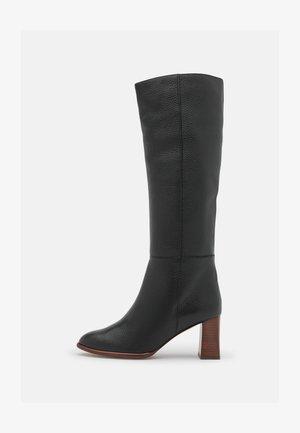 Boots - nucleo black