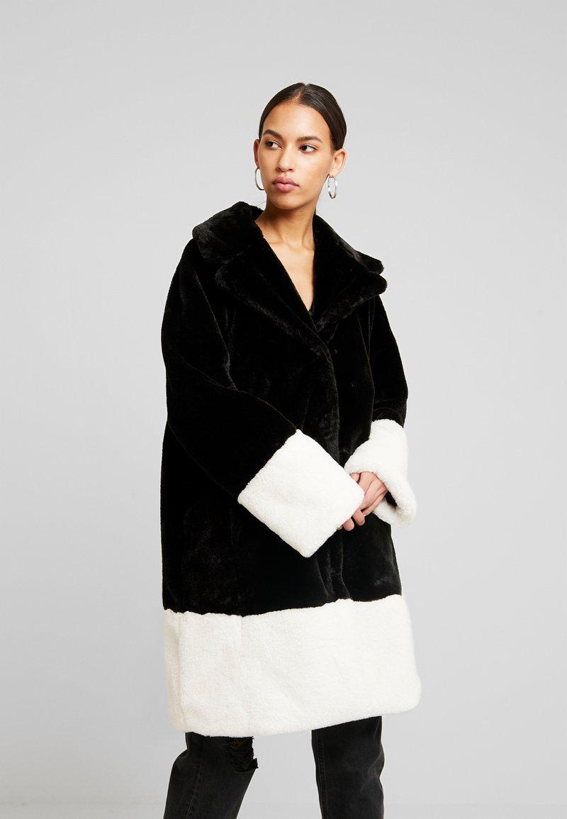 Gina Tricot - EVERLYN COAT - Zimní kabát - black/white