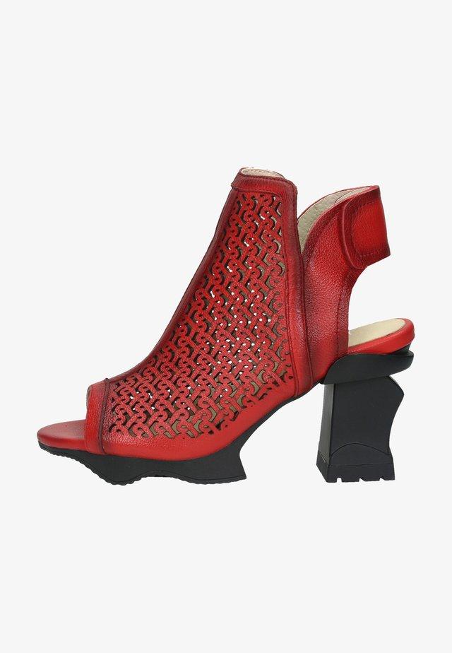 Sandalen met hoge hak - rouge