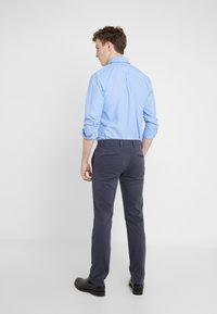 BOSS - REGULAR FIT - Trousers - blaugrau - 2