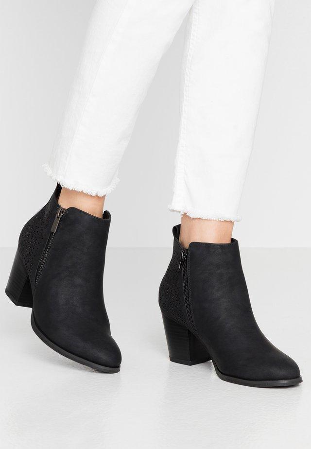 WIDE FIT WENDIE - Ankle boot - black