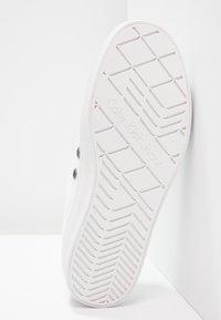 Calvin Klein Jeans - ZOLAH - Joggesko - white - 5