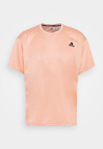 MENS YOGA TEE - Sports shirt - ambient blush