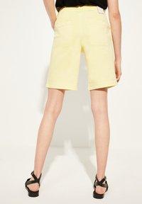 comma casual identity - Denim shorts - yellow - 2