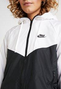 Nike Sportswear - Chaqueta de entrenamiento - white/black - 5