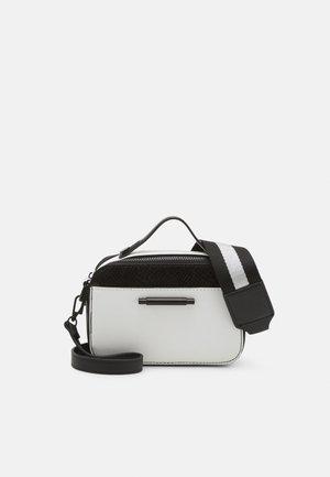 FARI - Handbag - black/black