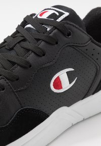 Champion - LOW CUT SHOE TORONTO - Koripallokengät - black - 5