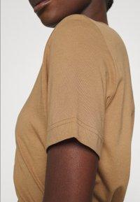 ARKET - Basic T-shirt - beige - 4