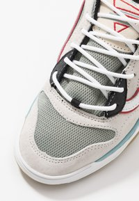 Vans - BRUX WC - Skate shoes - marshmallow/true white - 5