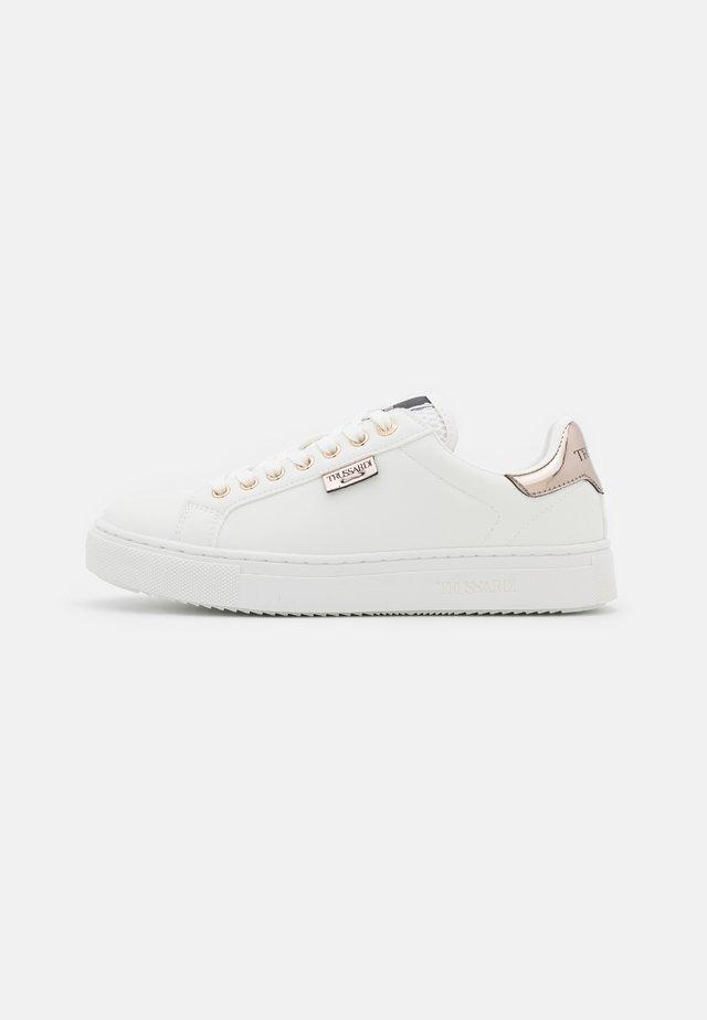 GALIUM MIX - Sneakers laag - white/pink