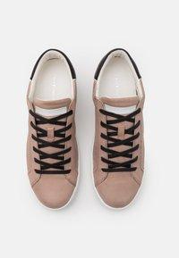 Crime London - Sneakers laag - beige - 3