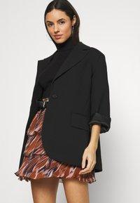 YAS - YASASTEA SKIRT - Mini skirt - brown - 3
