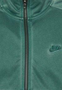 Nike Sportswear - WASH REVIVAL - Chaqueta de entrenamiento - galactic jade - 2