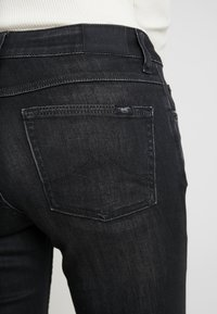 Mustang - SISSY - Jeans slim fit - super dark - 5