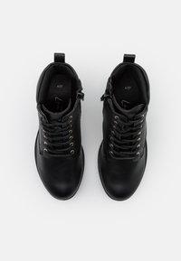 New Look - CALEY HEELED LACE UP - Šněrovací kotníkové boty - black - 5
