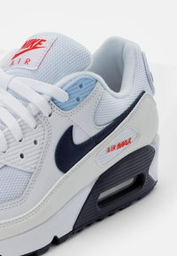 Nike Sportswear - AIR MAX - Zapatillas - white/midnight navy-chile red-psychic blue - 5