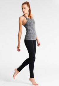 Filippa K - YOGA LEGGINGS - Leggings - black - 1