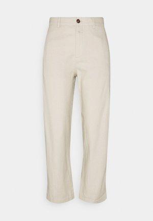 LUDWIG - Trousers - shiitake