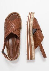 Pons Quintana - Platform sandals - toffee/cognac - 3