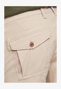 s.Oliver - Shorts - beige - 6