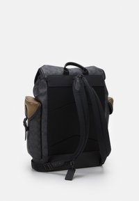 Coach - HITCH BACKPACK IN SIGNATURE CARRIAGE UNISEX - Batoh - mottled dark grey - 1