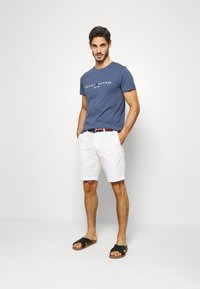 Tommy Hilfiger - BROOKLYN LIGHT BELT - Shorts - white - 1