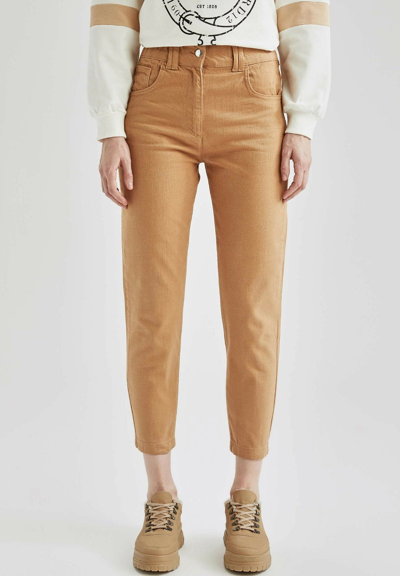 DeFacto - Relaxed fit jeans - beige