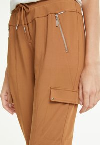 comma - Tracksuit bottoms - camel - 3