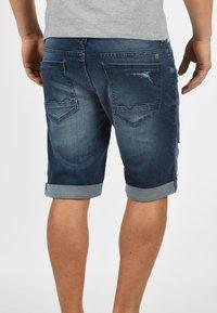 Blend - JEANSSHORTS DENIZ - Denim shorts - denim dark - 1