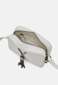 Valentino Bags - DIVINA - Across body bag - bianco - 2