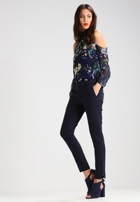 Mos Mosh - ABBEY NIGHT - Trousers - navy - 2