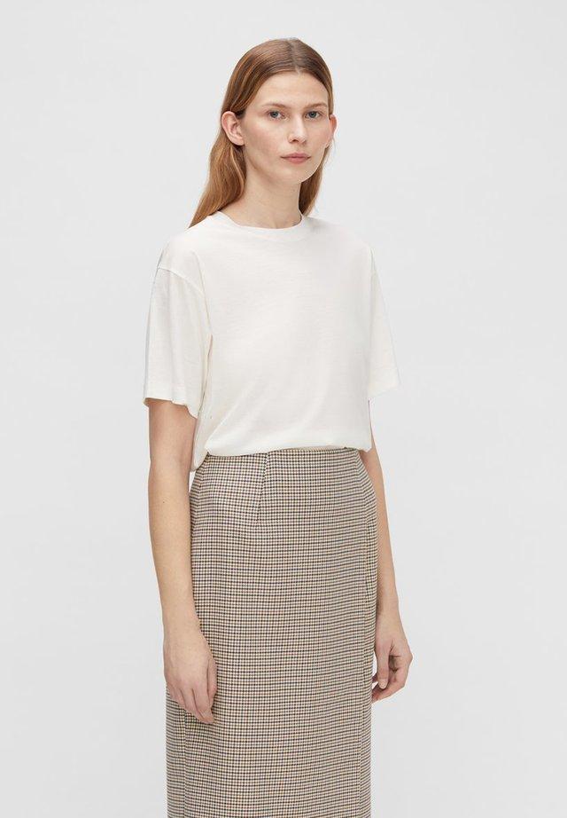 MILLER SHINY - Basic T-shirt - white